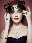 600full-christina-hendricks_large